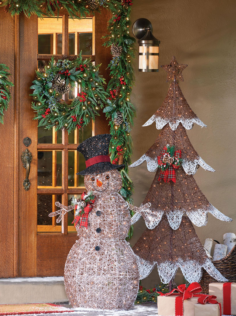 Christmas Decorating Ideas-Decorate with Nature-Snowman and Christmas Tree