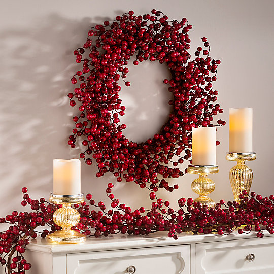 berry-christmas-wreath-523194