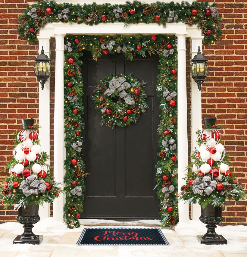 Dress Your Home to Impress with These Outside Christmas Decorations-Houndstooth Christmas Wreath Entryway