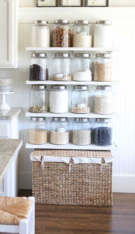 Farmhouse Style Storage Jars | Inexpensive Kitchen Decorating Ideas | Easy Kitchen Decor Ideas