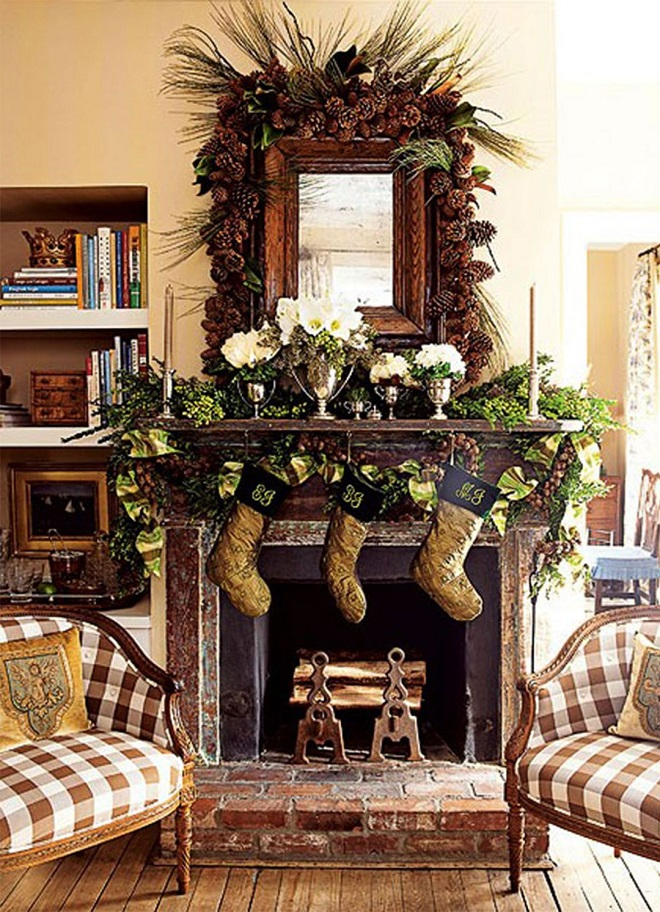 Mantle-Decor-For-Rustic-Christmas