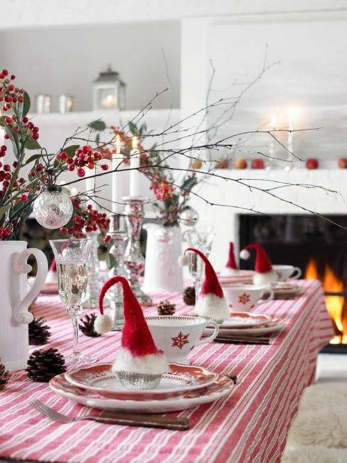 Christmas Table Decoration Ideas 95