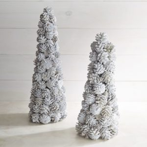tree-pinecones2