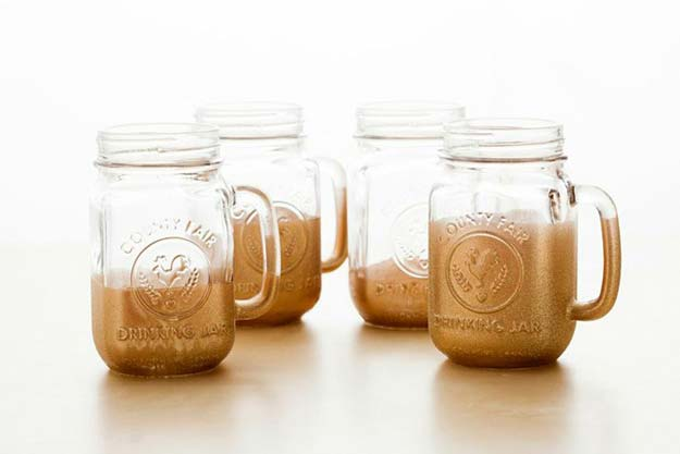 Gold DIY Projects and Crafts - Glitter-Dipped Mason Jar Mugs - Easy Room Decor, Wall Art and Accesories in Gold - Spray Paint, Painted Ideas, Creative and Cheap Home Decor - Projects and Crafts for Teens, Apartments, Adults and Teenagers http://diyprojectsforteens.com/diy-projects-gold