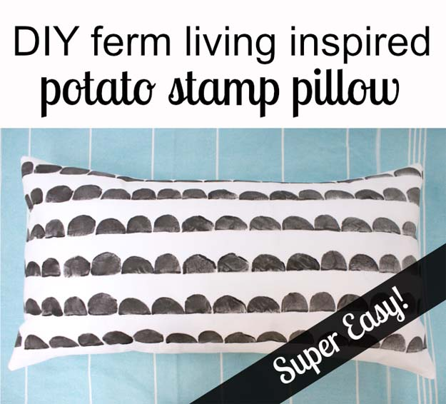 DIY Room Decor Ideas in Black and White - Potato Stamp Pillow - Creative Home Decor and Room Accessories - Cheap and Easy Projects and Crafts for Wall Art, Bedding, Pillows, Rugs and Lighting - Fun Ideas and Projects for Teens, Apartments, Adutls and Teenagers http://diyprojectsforteens.com/diy-decor-black-white