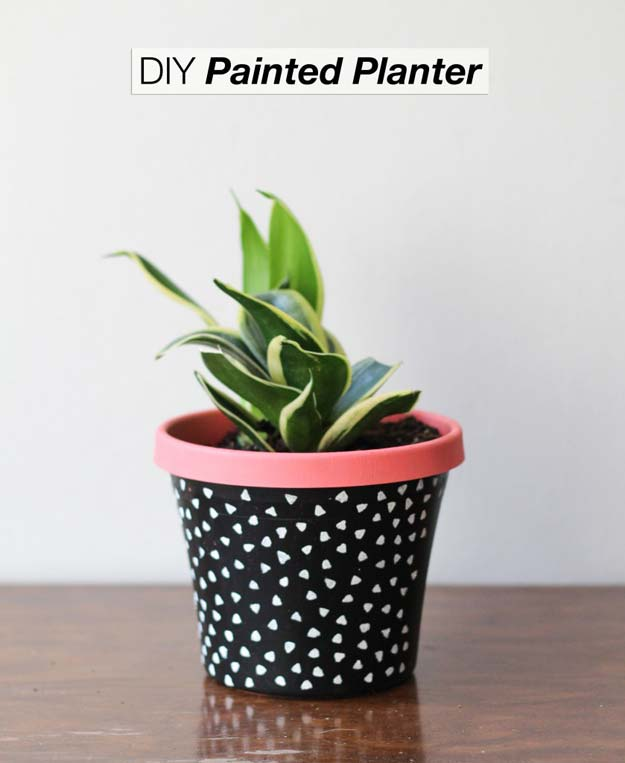 DIY Room Decor Ideas in Black and White - DIY Painted Planter - Creative Home Decor and Room Accessories - Cheap and Easy Projects and Crafts for Wall Art, Bedding, Pillows, Rugs and Lighting - Fun Ideas and Projects for Teens, Apartments, Adutls and Teenagers http://diyprojectsforteens.com/diy-decor-black-white