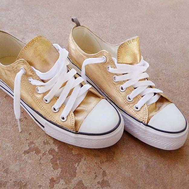 Gold DIY Projects and Crafts - Make Sneakers 24K Gold - Easy Room Decor, Wall Art and Accesories in Gold - Spray Paint, Painted Ideas, Creative and Cheap Home Decor - Projects and Crafts for Teens, Apartments, Adults and Teenagers http://diyprojectsforteens.com/diy-projects-gold