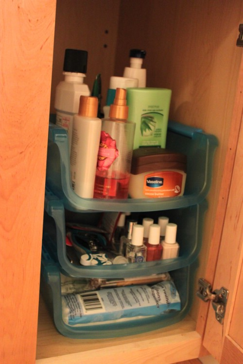Organize the Bathroom for Under $20 - 150 Dollar Store Organizing Ideas and Projects for the Entire Home