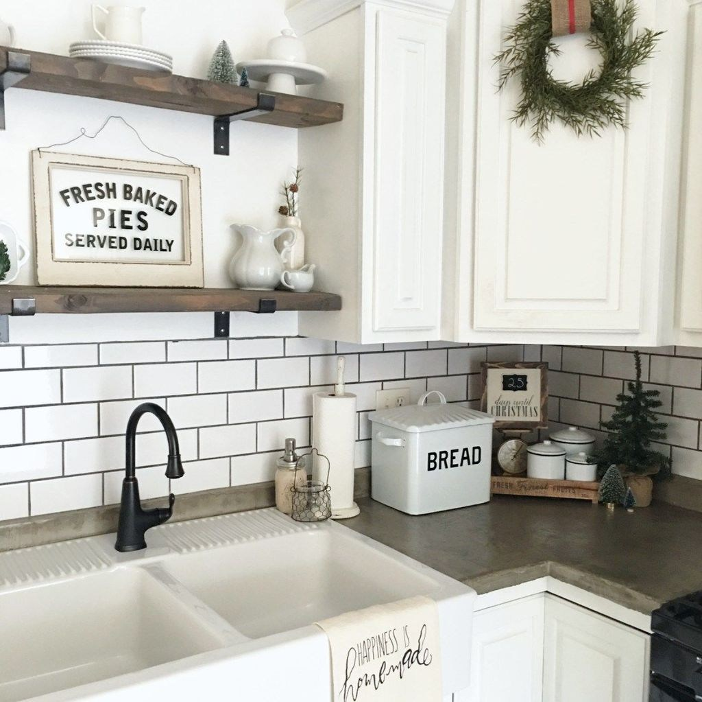 Beautiful Farmhouse Kitchen Decor Ideas 35