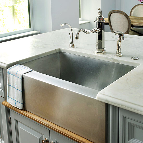 Sleek Modern Kitchen Sink