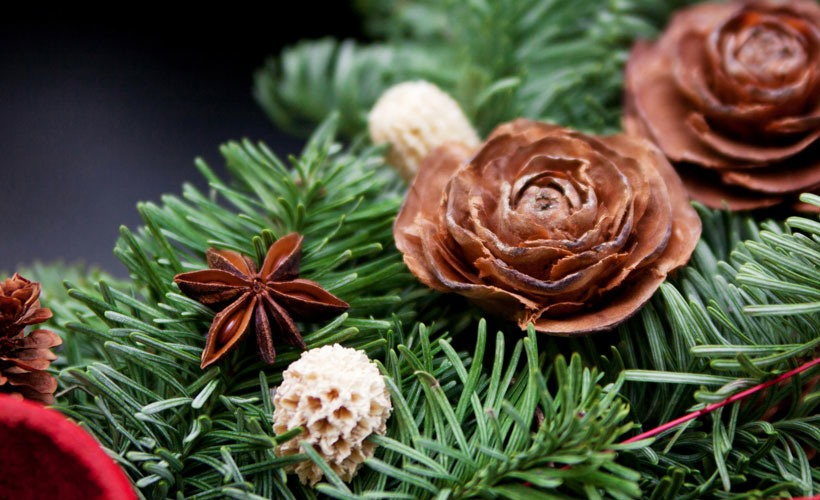 Christmas Decorating Ideas-Decorate with Nature-Pine Cones