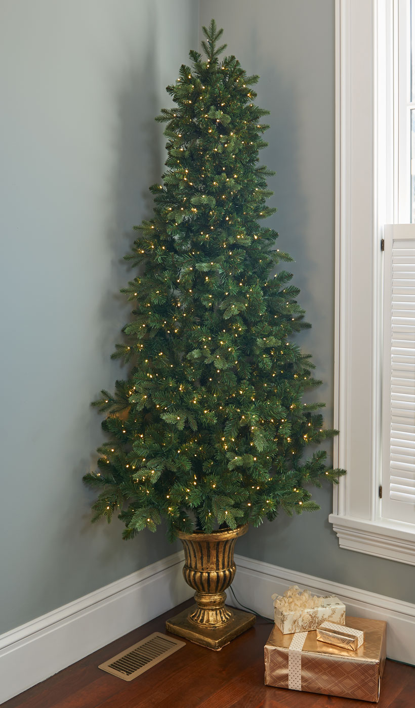 How to Decorate a Small Spaces for Christmas-Corner Tree