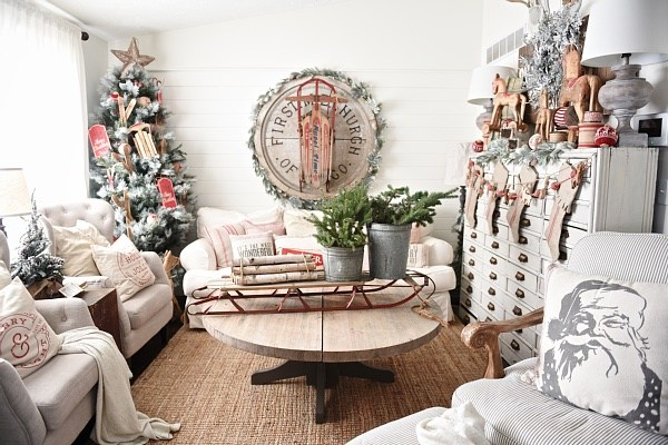 Cozy Cottage Christmas Home Tour - Filled with great cottage Christmas decor!