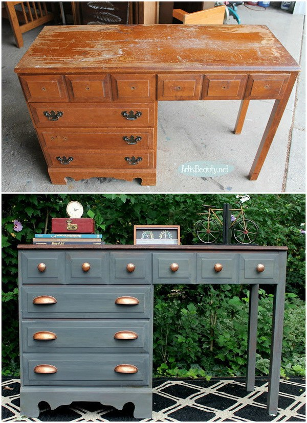 Gray and Copper Desk Makeover. This gray and copper desk is a perfect DIY project for your industrial style room! It is not so hard to make!