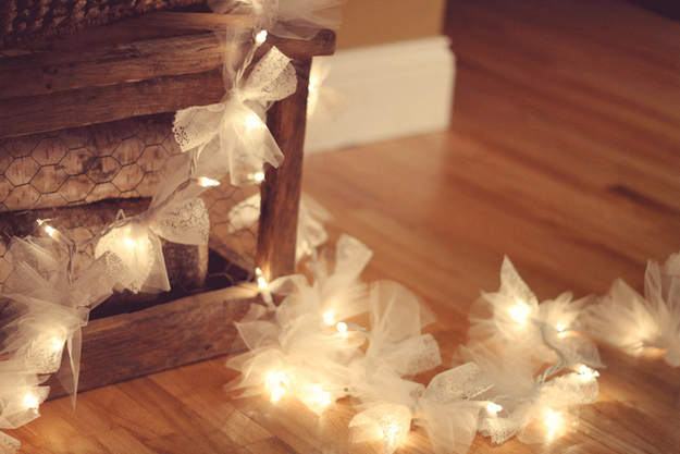 String Light DIY ideas for Cool Home Decor | Firefly Christmas Lights are Fun for Teens Room, Dorm, Apartment or Home | http://diyprojectsforteens.com/diy-string-light-ideas/