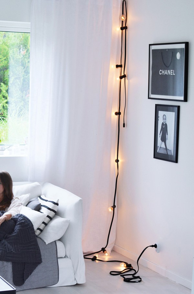 String Light DIY ideas for Cool Home Decor | Black Wired Statement Lights are Fun for Teens Room, Dorm, Apartment or Home | http://diyprojectsforteens.com/diy-string-light-ideas/