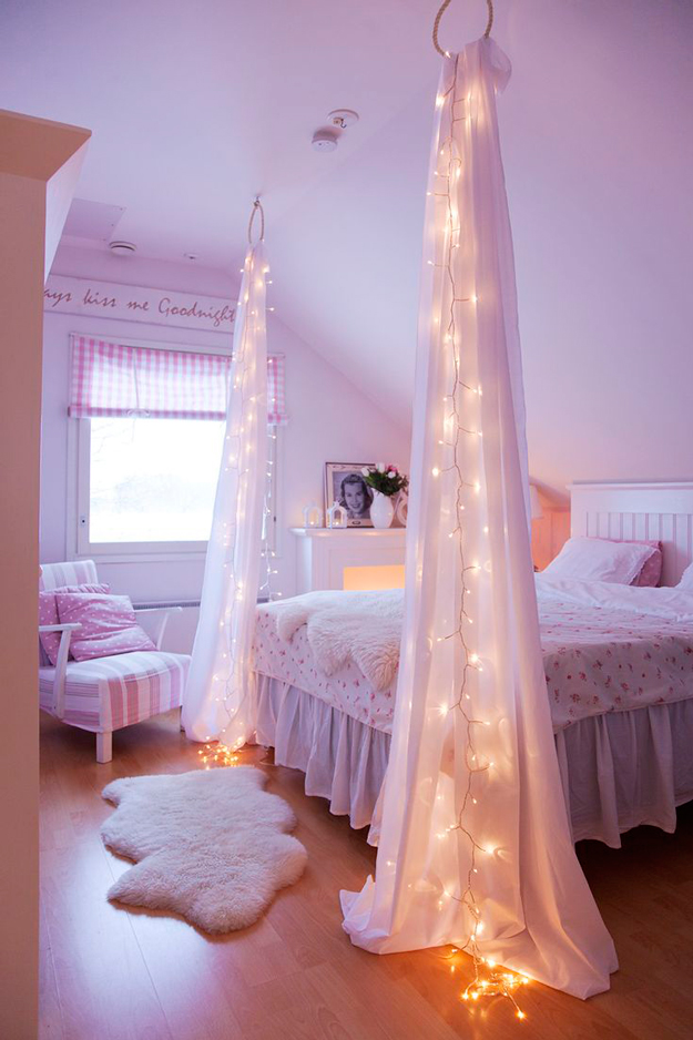 String Light DIY ideas for Cool Home Decor | Starry Bed Post are Fun for Teens Room, Dorm, Apartment or Home | http://diyprojectsforteens.com/diy-string-light-ideas/