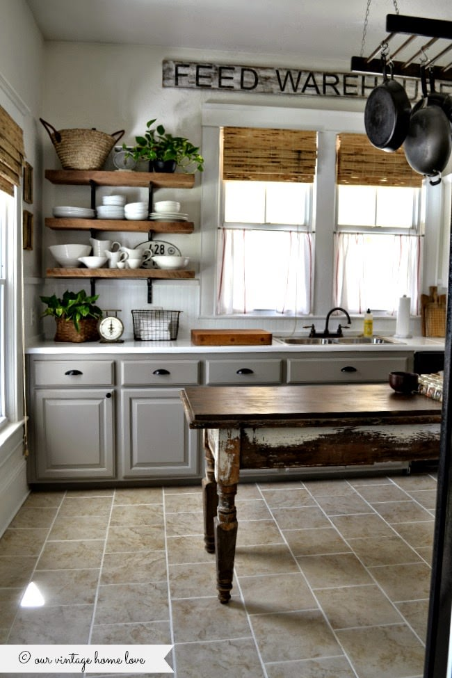 BOOKMARK THIS! Find all the best Farmhouse finds and learn How to Design the Farmhouse Kitchen of Your Dreams!