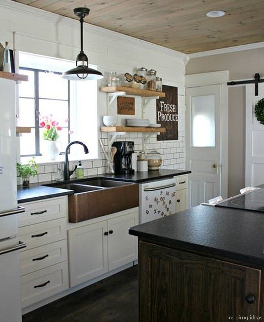 Beautiful Farmhouse Kitchen Decor Ideas 09