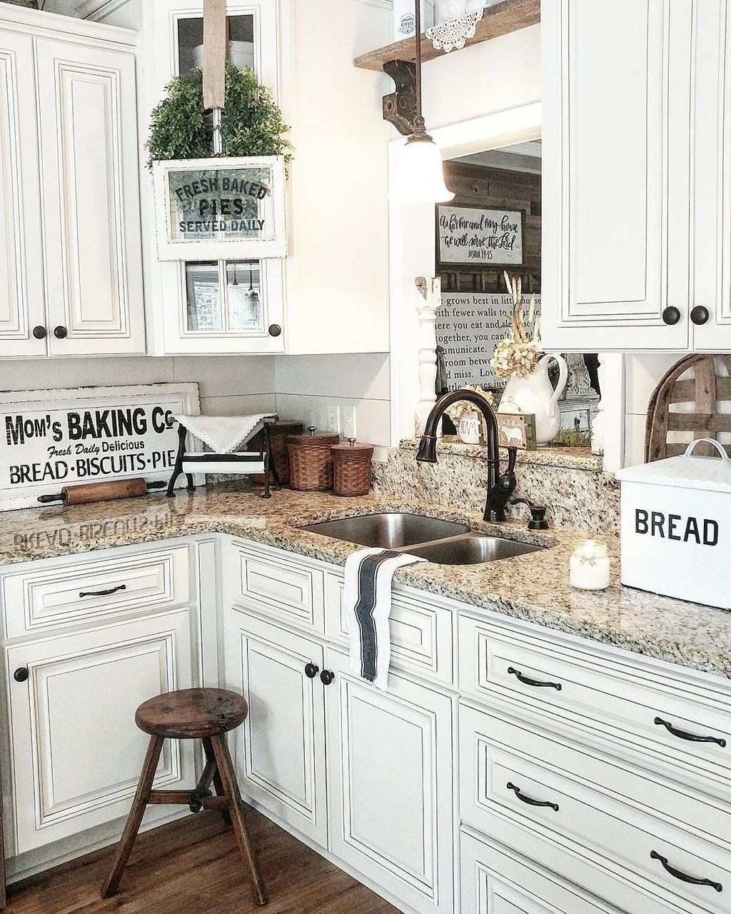 Beautiful Farmhouse Kitchen Decor Ideas 12