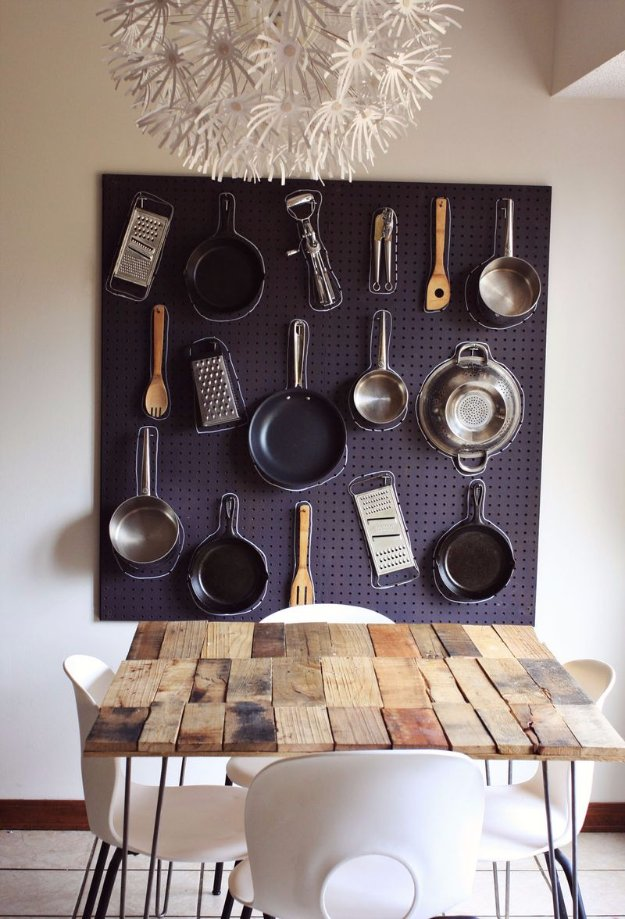 DIY Kitchen Decor Ideas - DIY Kitchen Peg Board - Creative Furniture Projects, Accessories, Countertop Ideas, Wall Art, Storage, Utensils, Towels and Rustic Furnishings http://diyjoy.com/diy-kitchen-decor-ideas